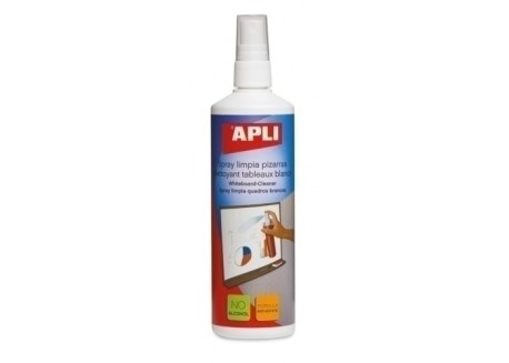 Apli spray de limpieza para pizarra